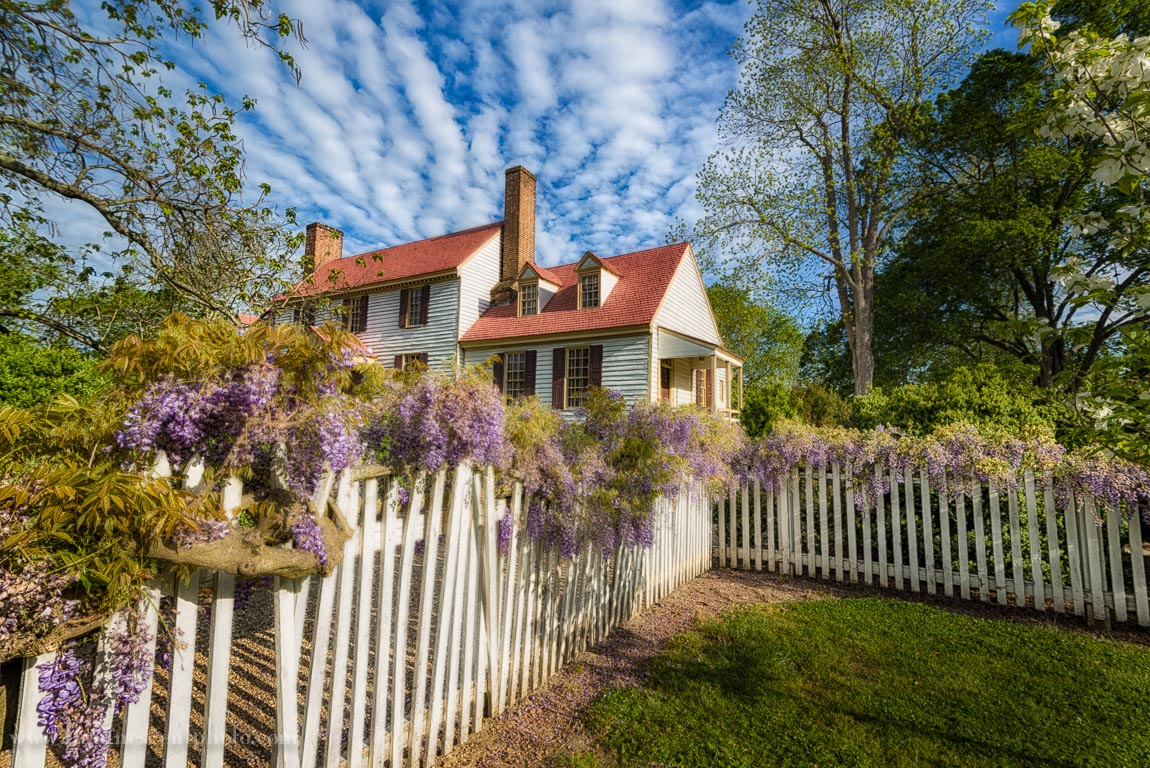 House in Colonial Williamsburg, Virginia. Captured with a Nikon D800e and 16-35mm f/4 AFS G VRII Nikkor lens.