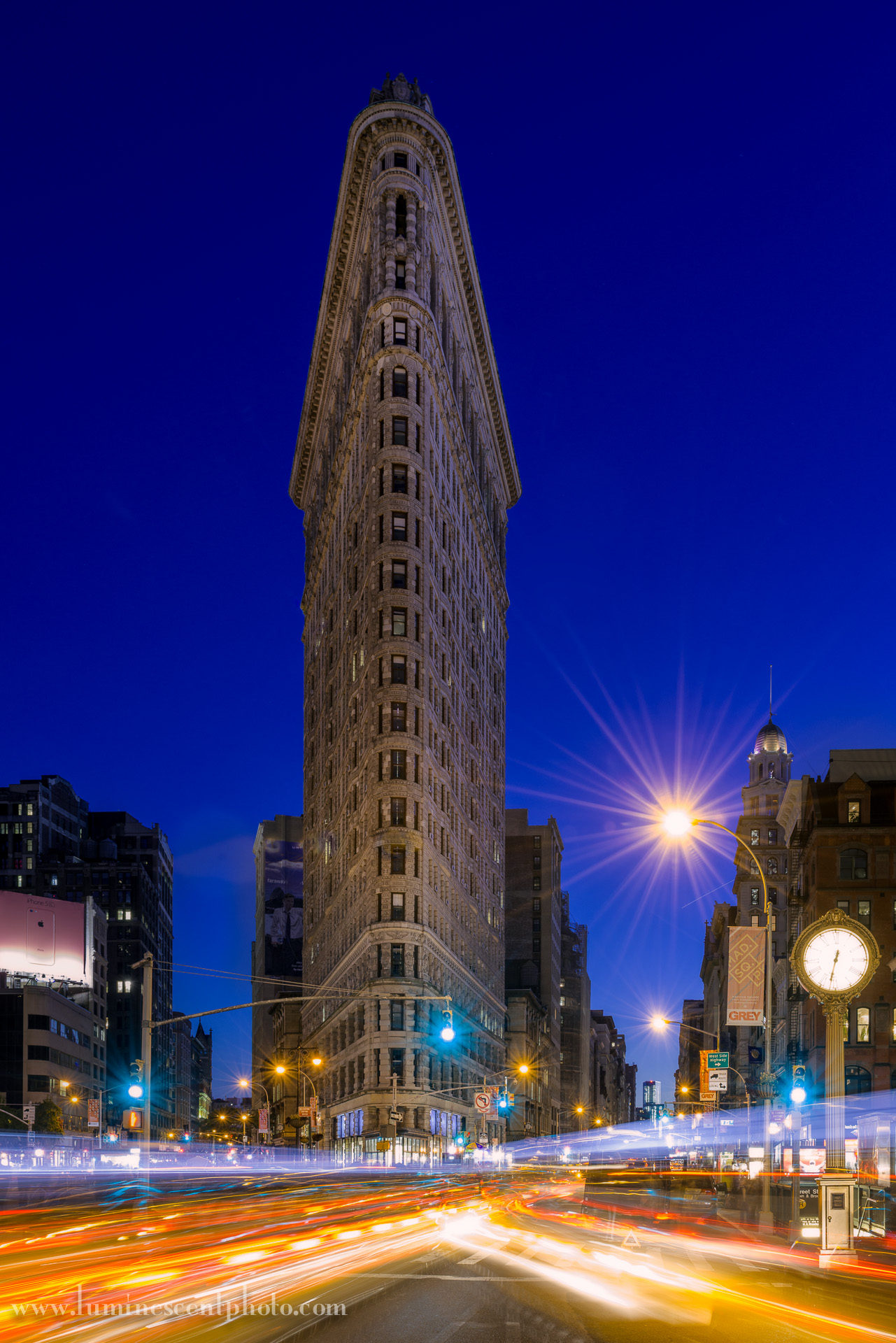 Flatiron Building at twilight, NYC. 25s exposure with Nikon D800e.