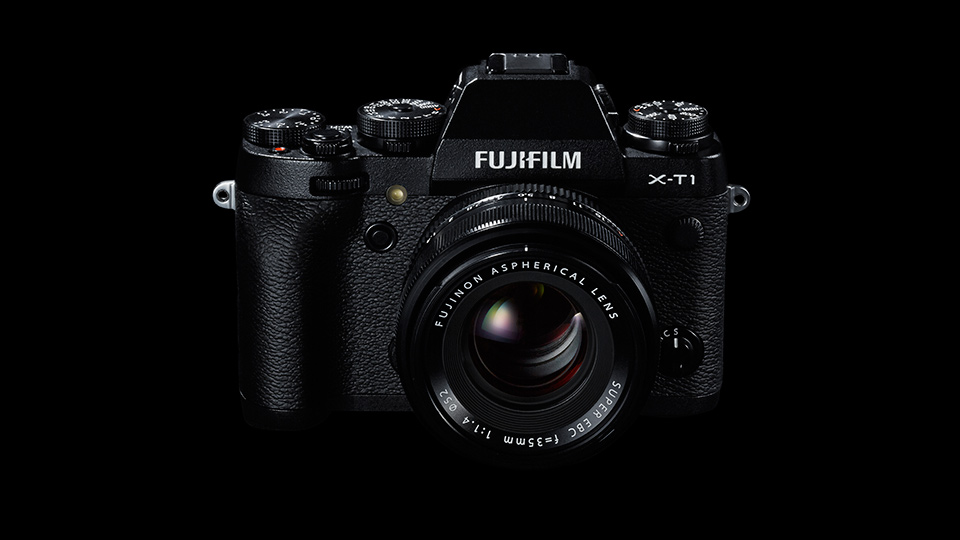The Fujifilm X-T1 is a mirrorless camera with DSLR features (Image courtesy of Fujifim).
