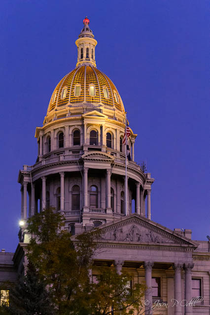Photograph the Colorado capitol at blue hour